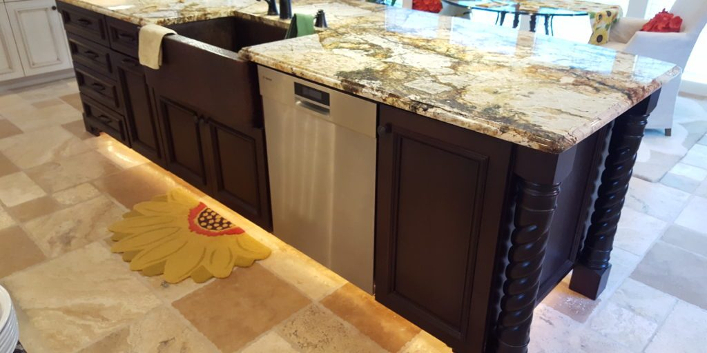 under-cabinet-lighting-for-your-kitchen